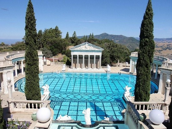 hearst mansion piscina
